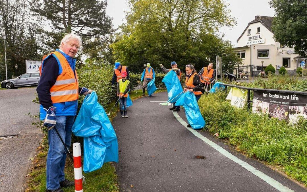 Freiwillige sammeln Müll in Willich